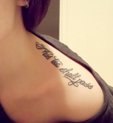 shoulder-tattoos-women-quotes